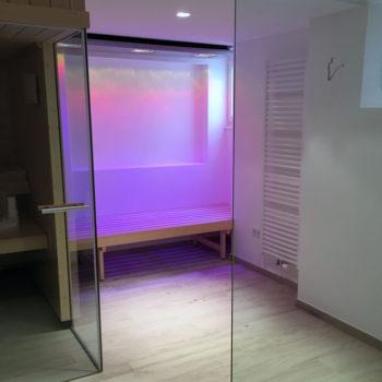 Bad-mit-LED-Beleuchtung-01